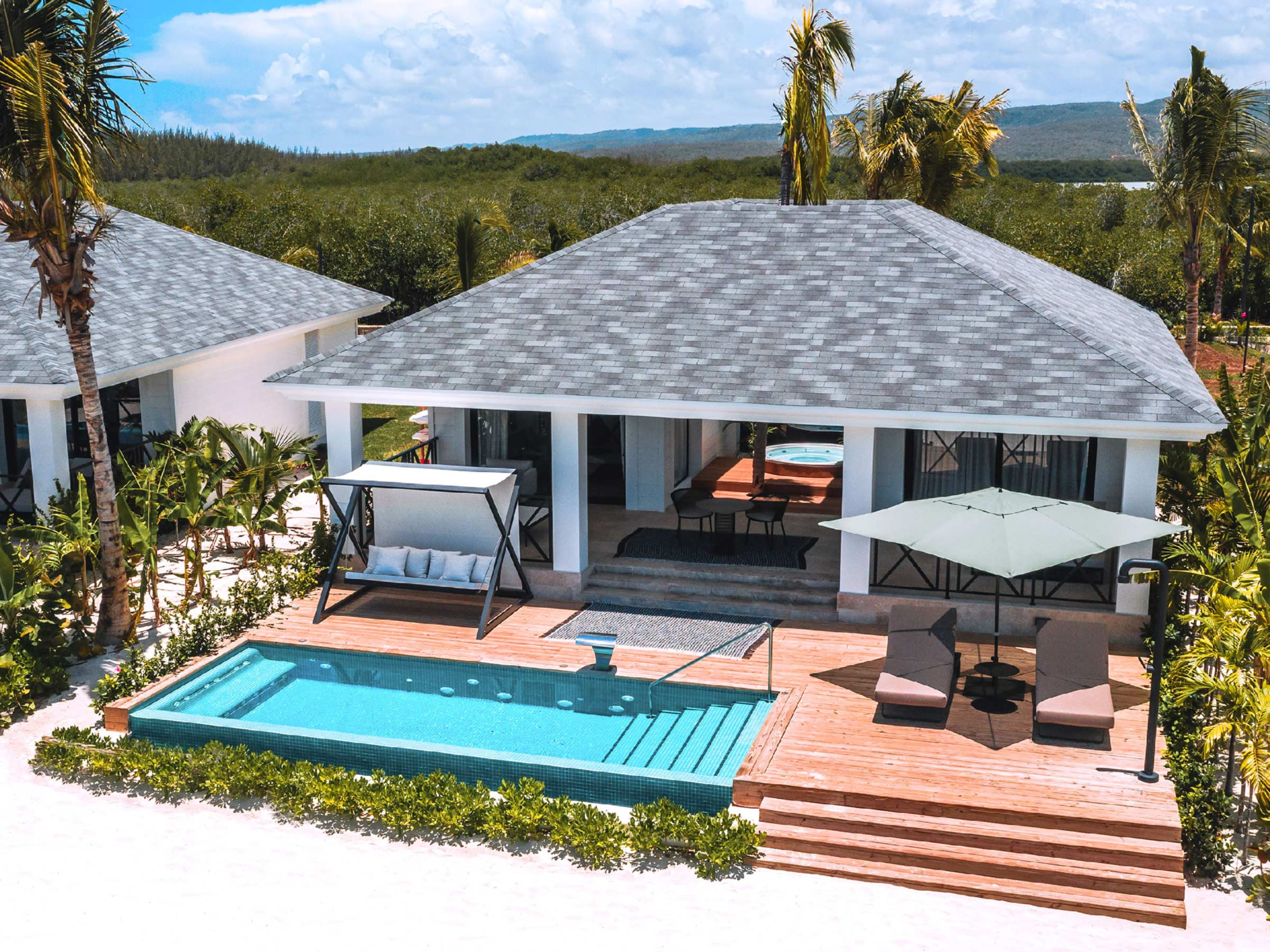 Luxury Beach Villa Deal at Excellence Oyster Bay