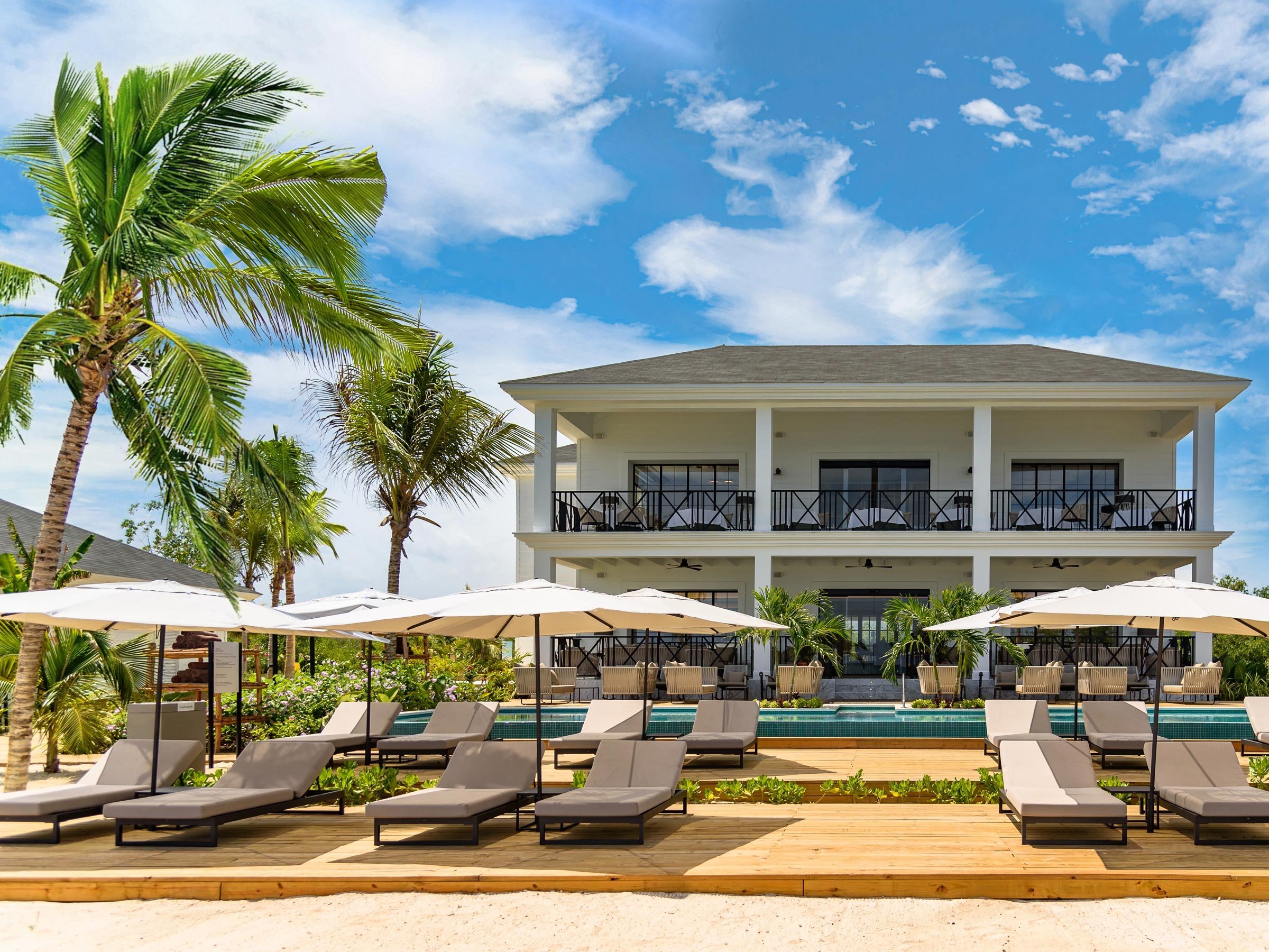 Excellence Club Lounge Frente a la Playa en Excellence Oyster Bay