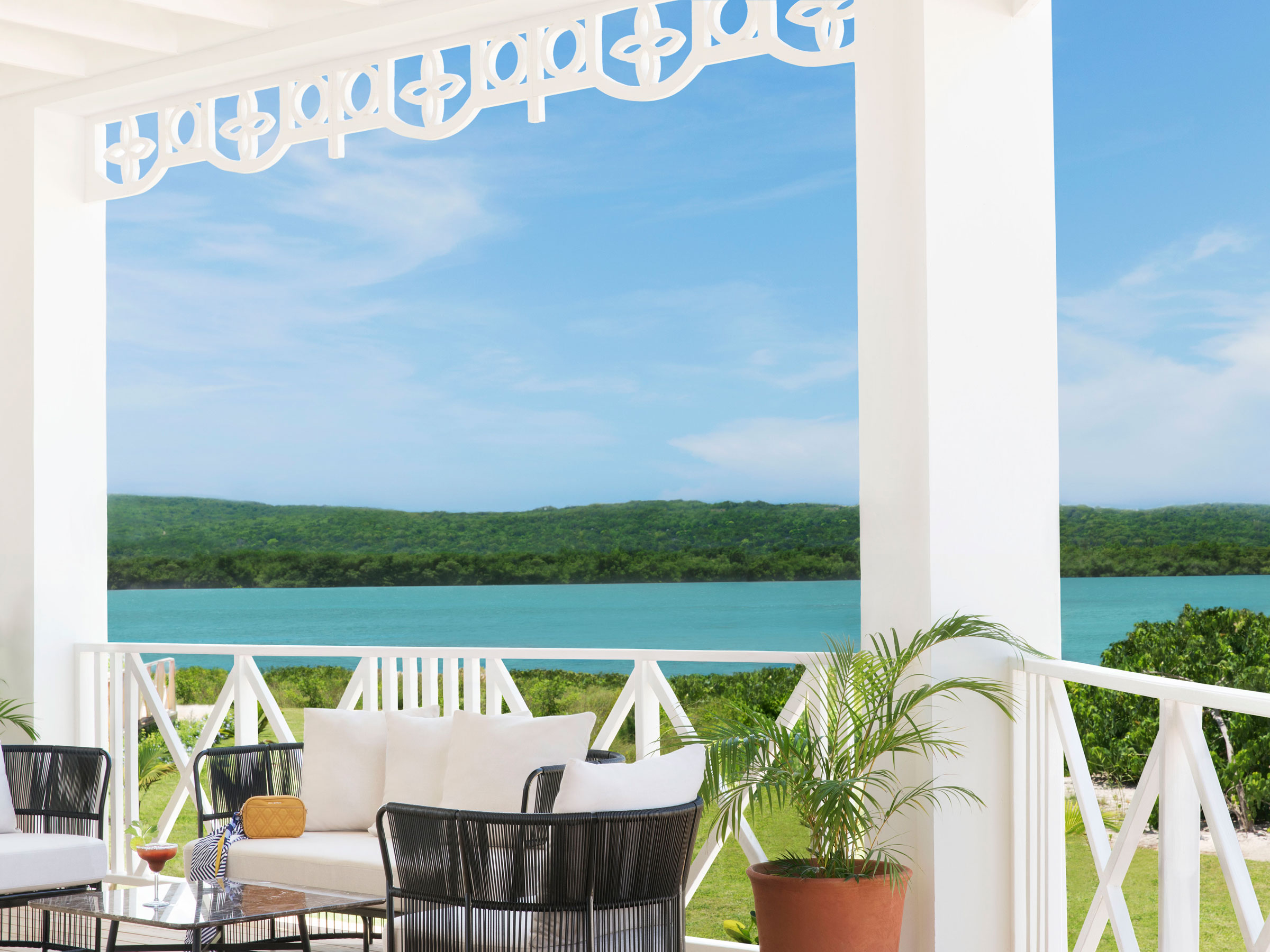 Exclusive Club Bars in Jamaica Luxury Hotels