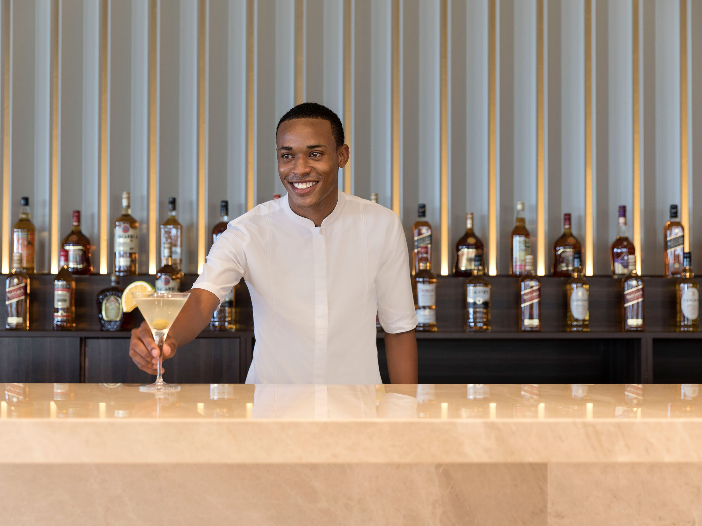 Expert Cocktail Service at Hotel Bars in Jamaica